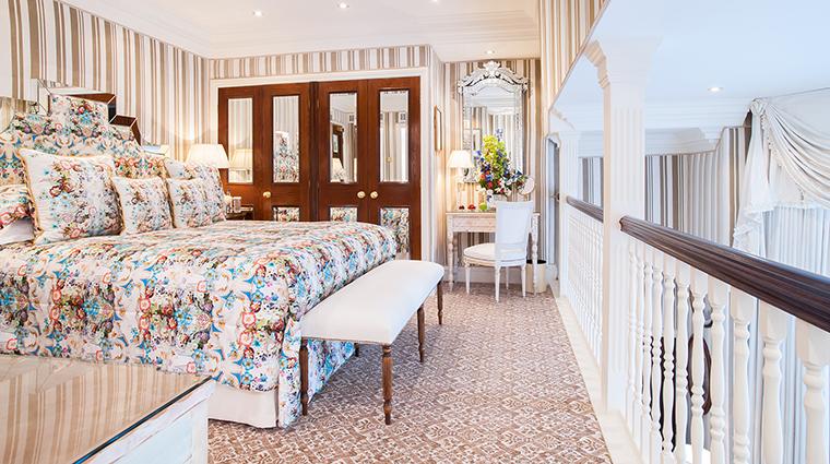 Property MilestoneHotel Hotel GuestroomSuite KensingtonGardenSuite RedCarnationHotels