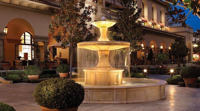 Property MontageBeverlyHills Hotel Exterior Fountain MontageHotels&Resorts