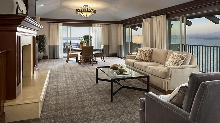 Property MontereyPlazaHotel&Spa Hotel GuestroomSuite PresidentialSuiteLivingRoom WoodsideHotels