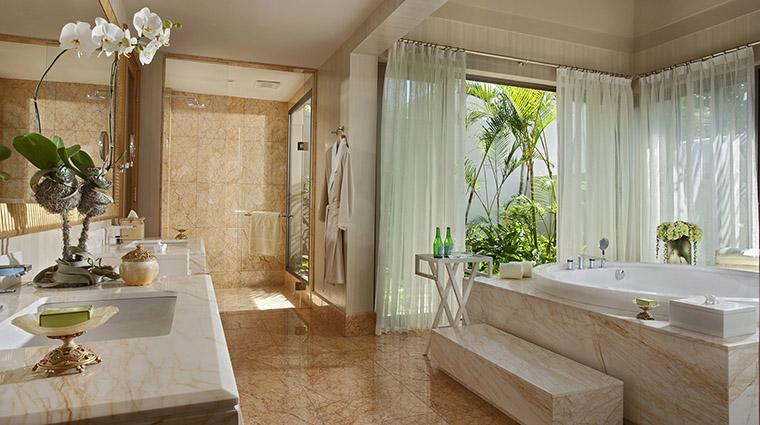 Property MuliaVillasatTheMulia Hotel GuestroomSuite OneBedroomVillaBathroom TheMulia