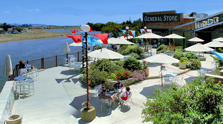 Property NapaRiver Hotel PublicSpaces RiverbendPerformancePlaza NapaRiverInn