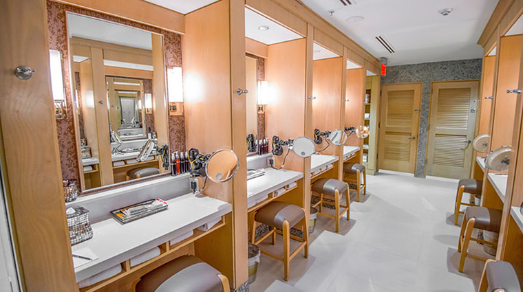 Property NightSpa Spa LockerRoom FourSeasonsHotelsLimited