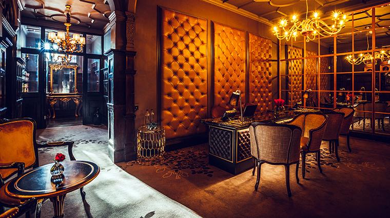 Property No11CadogonGardens Hotel PublicSpaces Reception&Entrance No11CadoganGardensHotel