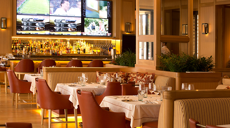 Property OakGrill Restaurant Dining DiningRoomBarView TheIrvineCompanyLLC