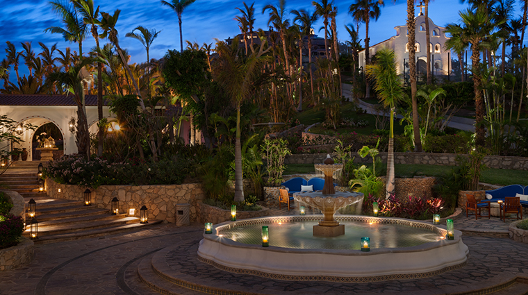 Property One&OnlyPalmilla Hotel PublicSpaces WelcomeFountain One&OnlyResorts