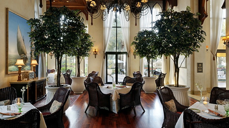 Property OneAndOnlyRoyalMirageResidences Hotel Dining TheDiningRoom One&OnlyResorts