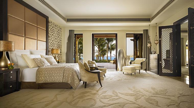 Property OneAndOnlyThePalm Hotel GuestroomSuite BeachFrontVillaMasterBedroom One&OnlyResorts