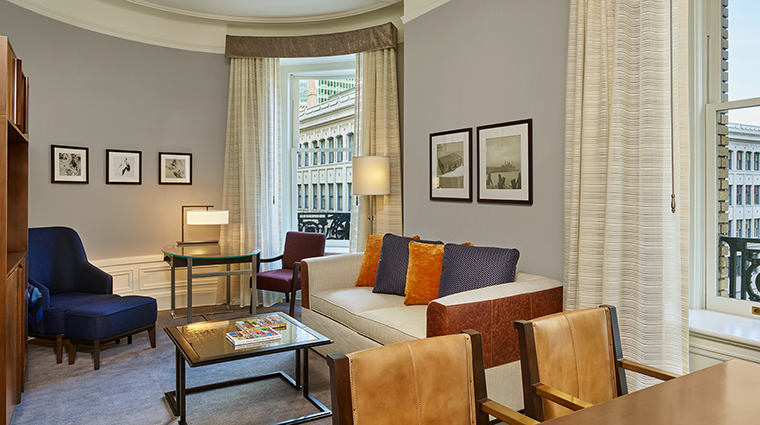 Property PalaceHotel Hotel GuestroomSuite DeluxeSuite StarwoodHotels&ResortsWorldwideInc