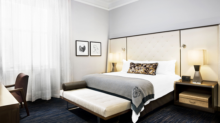 Property PalaceHotel Hotel GuestroomSuite SuperiorGuestroom StarwoodHotels&ResortsWorldwideInc