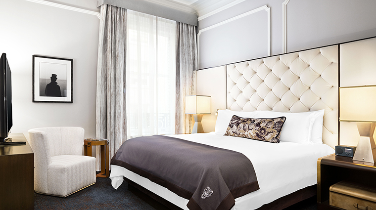 Property PalaceHotel Hotel GuestroomSuite SuperiorSuiteBedroom StarwoodHotels&ResortsWorldwideInc