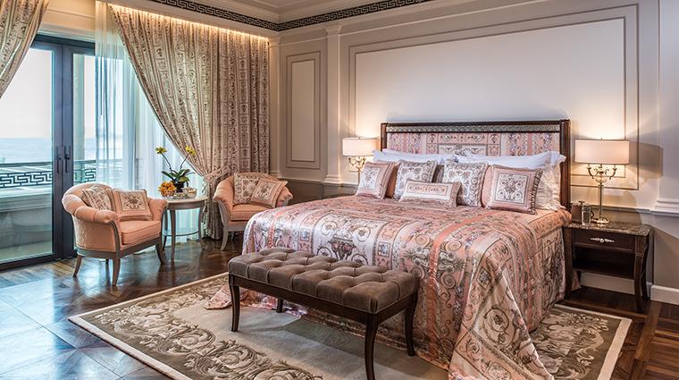 Property PalazzoVersaceDubai Hotel GuestroomSuite DeluxeVersaceCreekViewRoom PalazzoVersaceDubai