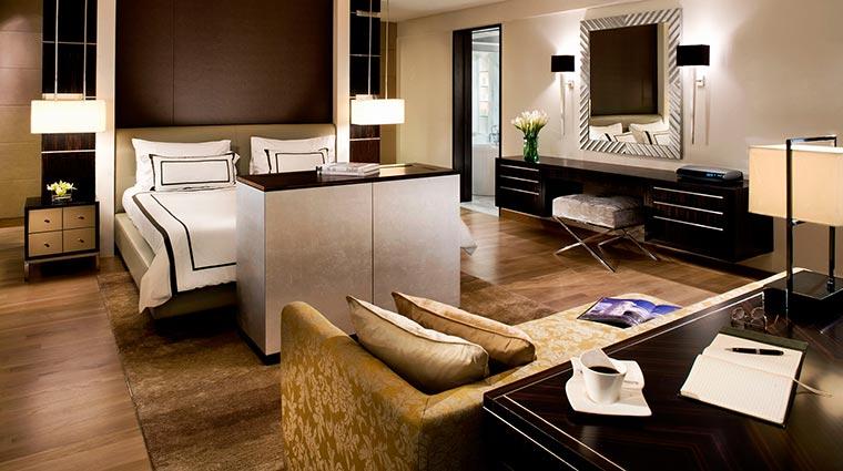 Property PanPacific Hotel GuestroomSuites PresidentialSuiteBedroom CreditPanPacificHotelsandResorts