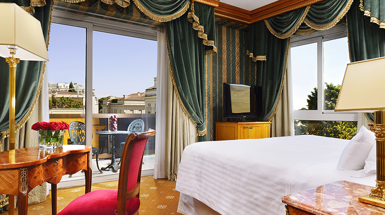 Property ParcodeiPrincipi Hotel GuestroomSuite SuiteDeluxe ParcodeiPrincipiGrandHotel&Spa