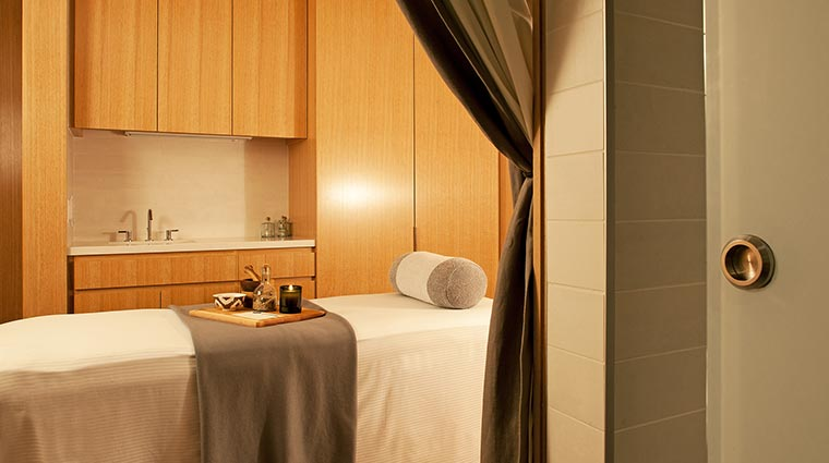 Property ParkHyattChicago Hotel Spa MassageTable CreditHyattCorporation