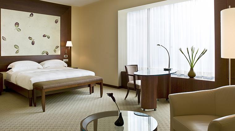 Property ParkHyattZurich Hotel GuestroomSuite ParkDeluxeKing HyattCorporation