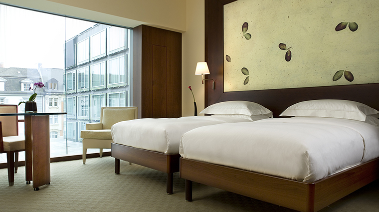 Property ParkHyattZurich Hotel GuestroomSuite ParkTwinBedroom HyattCorporation