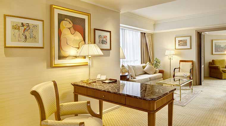 Property ParkTowerBuenosAires Hotel GuestroomSuite CornerSuiteLivingRoom StarwoodHotels&ResortsWorldwideInc