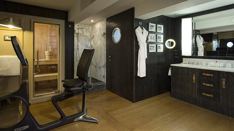 Property PortraitRoma Hotel GuestroomSuite PenthouseTrinitaDeiMontiBathroom LungarnoAlberghiSrl