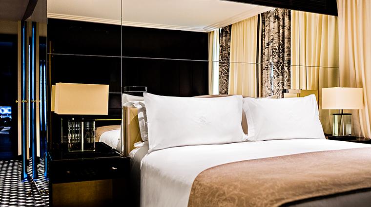 Property PrincedeGalles Hotel GuestroomSuite AppartementParisienBedroom StarwoodHotels&ResortsWorldwideInc