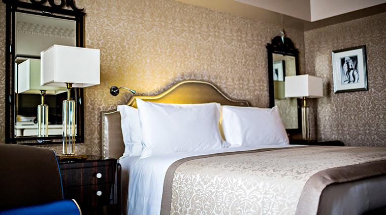 Property PrincedeGalles Hotel GuestroomSuite PrincedeGallesSuiteSaphirBedroom StarwoodHotels&ResortsWorldwideInc