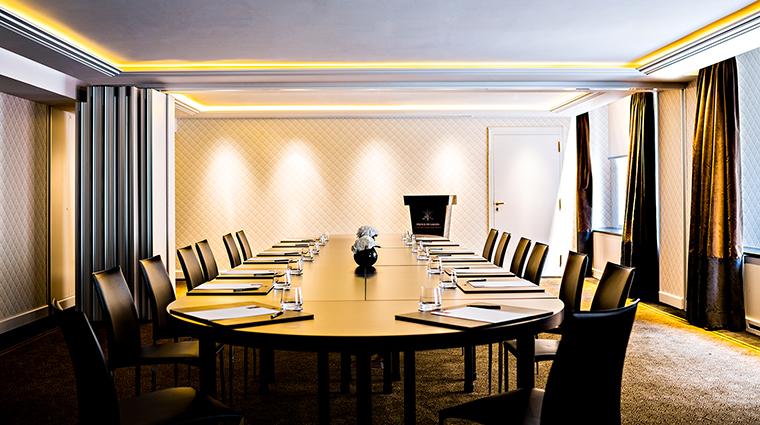 Property PrincedeGalles Hotel PublicSpaces SalonChaillotBoardroom StarwoodHotels&ResortsWorldwideInc