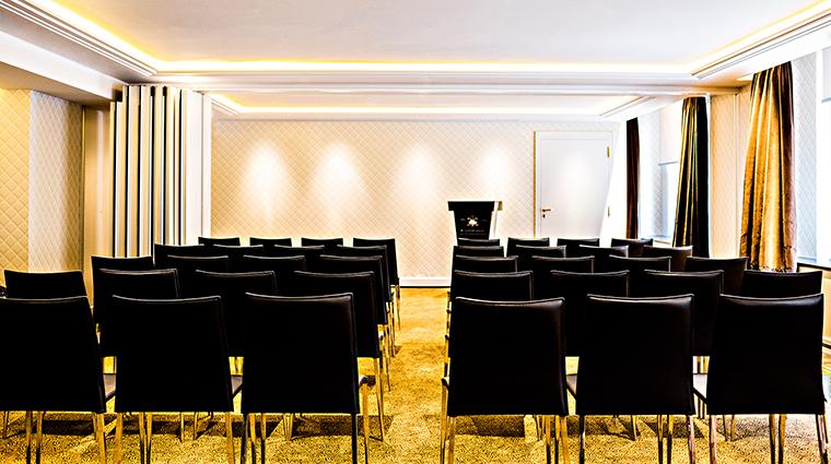 Property PrincedeGalles Hotel PublicSpaces SalonChaillotTheatre StarwoodHotels&ResortsWorldwideInc