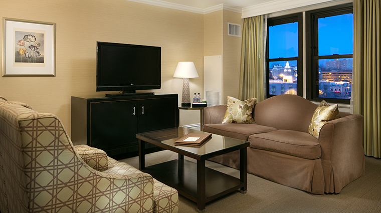 Property RaphaelHotel Hotel GuestroomSuite CountryClubPlazaView TheRaphaelHotel