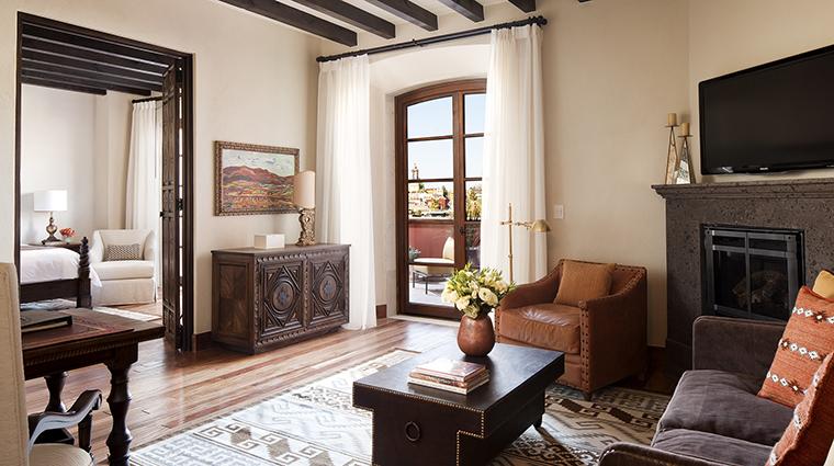 Property RosewoodSanMiguelDeAllende Hotel GuestroomSuite ParroquiaSuiteParlor RosewoodHotelsandResortsLLC