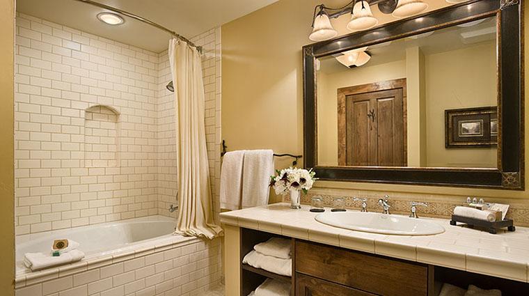 Property RustyParrotLodge Hotel GuestroomSuite GuestBathroom RustyParrot