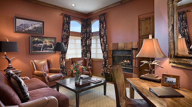 Property RustyParrotLodge Hotel GuestroomSuite OwnersSuiteSittingRoom RustyParrot