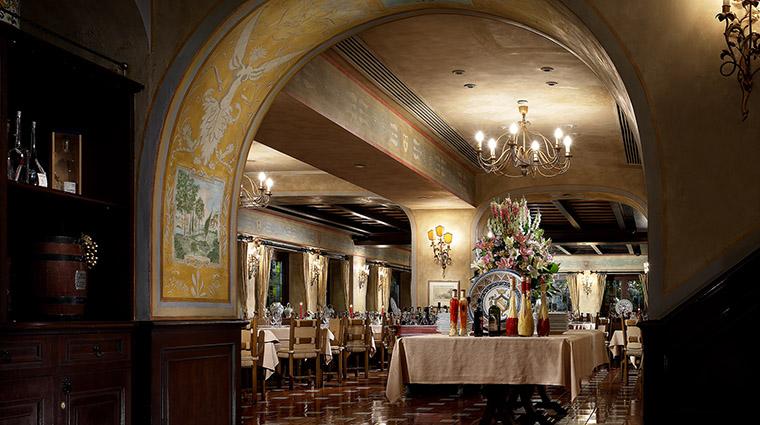 Property SabatiniRistorante Restaurant Dining InteriorArchway TheRoyalGarden