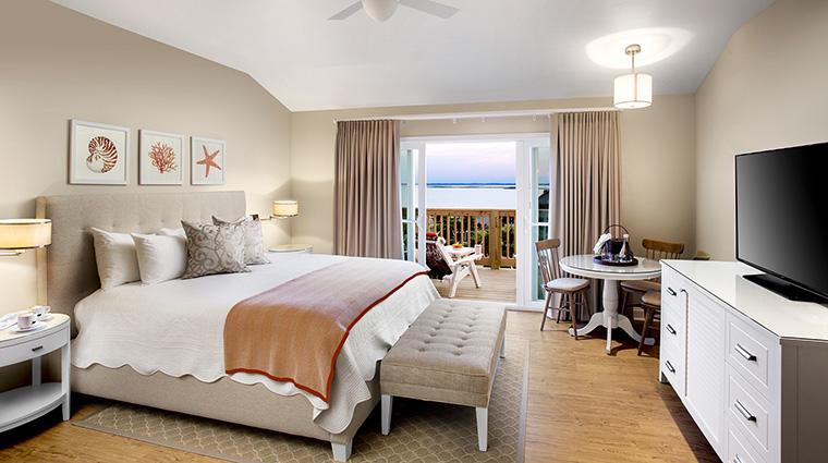 Property SanderlingResort Hotel GuestroomSuite BeachHouseSuiteBedroom SanderlingResort