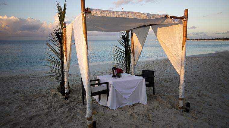 Property SevenStarsResort Hotel Dining PrivateBeachsideDining SevenStarsResort