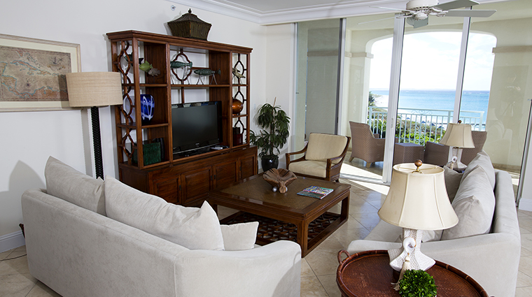Property SevenStarsResort Hotel GuestroomSuite OceanFrontThreeBedroomSuiteLivingRoom SevenStarsResort