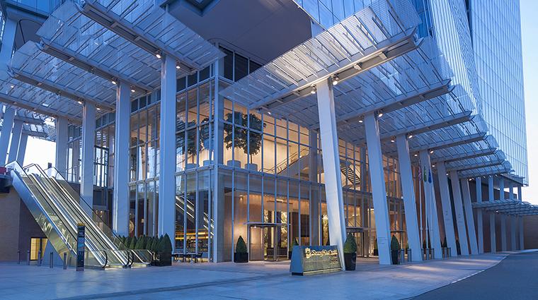 Property ShangriLaHotelAtTheShard Hotel Exterior HotelEntrance ShangriLaInternationalHotelManagementLtd