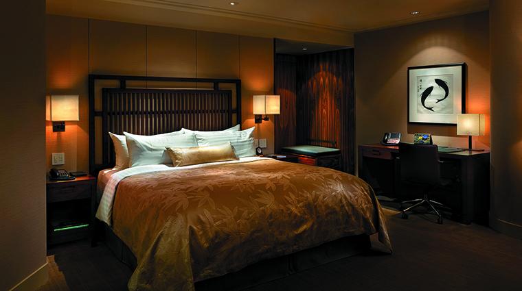 Property ShangriLaHotelVancouver Hotel GuestroomSuite ExecutiveBalconyKingRoom ShangriLaInternationalHotelManagementLtd