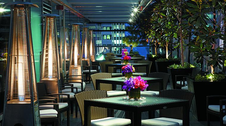 Property ShangriLaHotelVancouver Hotel PublicSpaces TheOutdoorTerrace ShangriLaInternationalHotelManagementLtd
