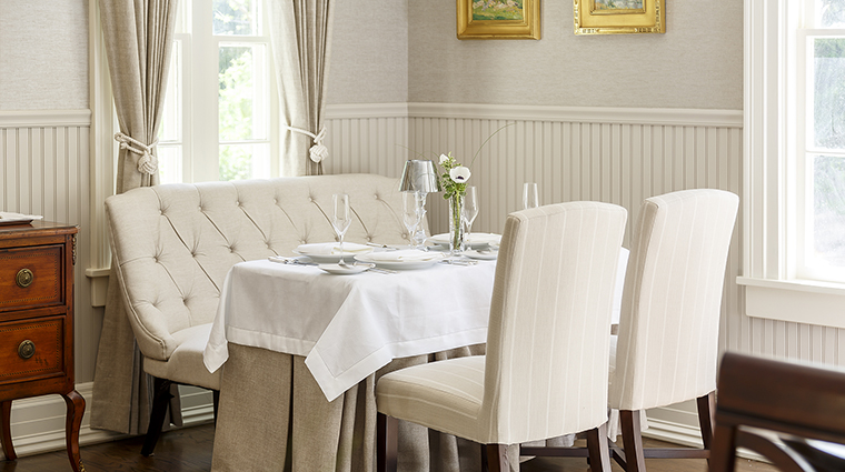 Property SpicerMansionRestaurant Restaurant Dining DiningRoomSeating SpicerMansion