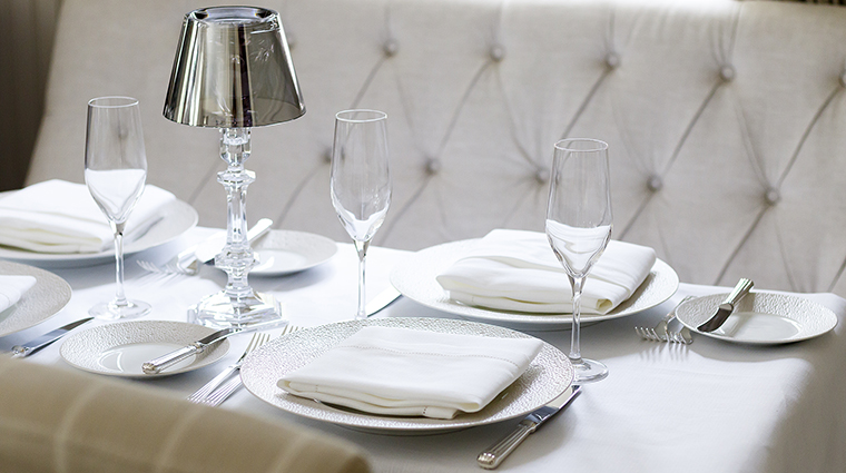 Property SpicerMansionRestaurant Restaurant Dining PlaceSettings SpicerMansion