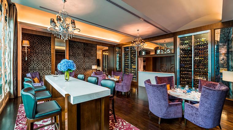 Property StRegisBangkok Hotel Dining DecanterJohnnieWalkerBlueLabelRoom StarwoodHotels&ResortsWorldwideInc