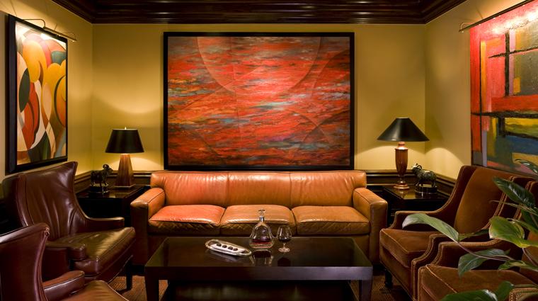 Property StRegisHouston Hotel BarLounge TheRemingtonBar CreditStRegisHouston