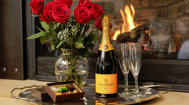 Property SteinEriksenLodge Hotel Activities Roses&Champagne SteinEriksenLodge