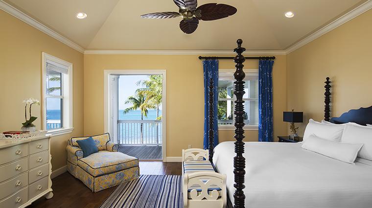 Property SunsetKeyCottages Hotel GuestroomSuite FourBedroomCottageMasterBedroom StarwoodHotels&ResortsWorldwideInc