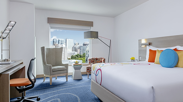 Property TheARTaHotel Hotel GuestroomSuite CanvasRoomKing theARThotel