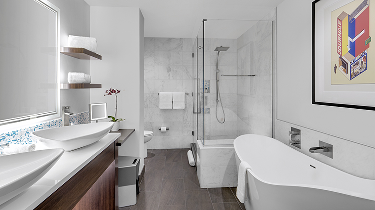 Property TheARTaHotel Hotel GuestroomSuite SuiteBathroom theARThotel