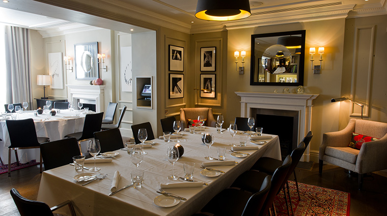 Property TheArchLondon Hotel Dining TheMartiniLibraryDining TheArch