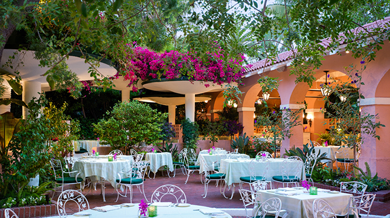 Property TheBeverlyHillsHotel Hotel BarLounge PoloLoungePatio DorchesterCollection,