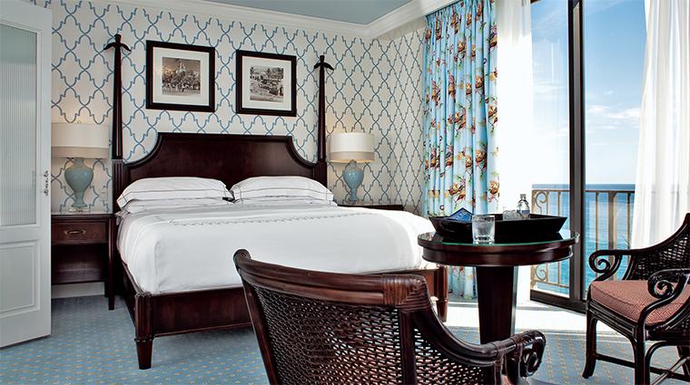 Property TheBreakersPalmBeach 5 Hotel GuestroomSuite OceanfrontGuestroom Bedroom CreditTheBreakersPalmBeach