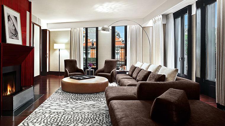 Property TheBulgariHotel&ResidencesLondon Hotel GuestroomSuite BulgariSuiteVILivingRoom BulgariHotels&Resorts