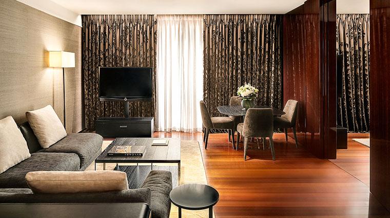 Property TheBulgariHotel&ResidencesLondon Hotel GuestroomSuite DeluxeSuiteLivingRoom BulgariHotels&Resorts